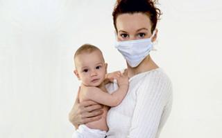 Герпес во время кормления грудью: что нужно знать маме?
