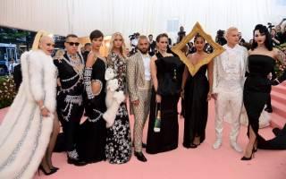Необычные наряды на балу костюмов