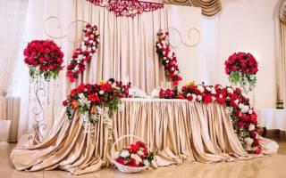 Лучшее украшение свадебного зала – это цветы