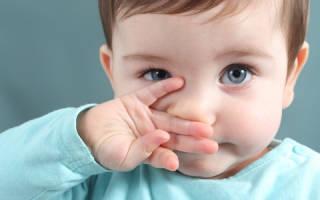 Как надо лечить насморк у новорожденного ребенка
