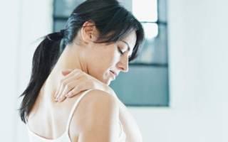 Симптомы и лечение лопаточного остеохондроза слева и справа