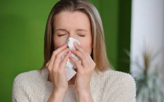 Как избавиться от насморка и слезотечения по утрам?