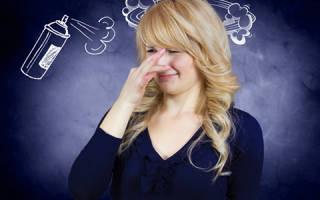 Почему может возникать кислый запах от тела женщины?