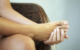 Что делать, если болит нога в области стопы сверху и очень больно ходить?