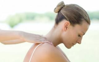 Как осуществляется лечебный массаж и самомассаж шеи при остеохондрозе