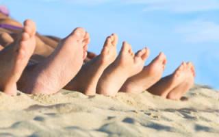 Почему шелушится и трескается кожа на пальцах и ступнях ног и как бороться с недугом?