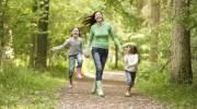 Почему ребенку нельзя гулять после сделанной прививки?