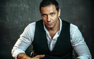 Александр Никитин – актер, танцор, певец и просто мужчина мечты