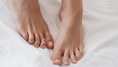 Шелушение кожи на стопах ног
