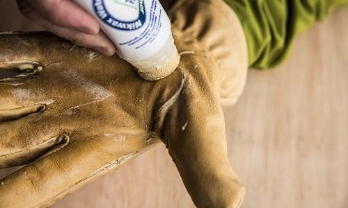Устранить царапины и потертости поможет нитрокраска подходящего оттенка