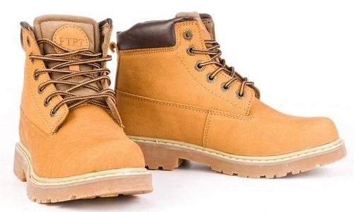 Обувка из нубука имеет приятный лоск. Знание способов того, как почистить такую обувь, позволяет продлить ее срок службы