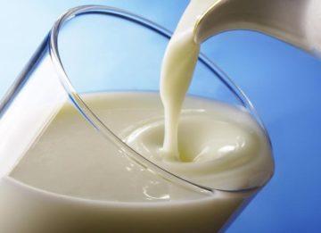 Чем полезно кипяченое молоко