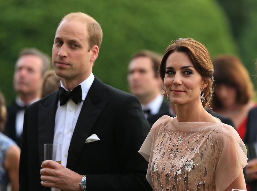 Почему принц Уильям не опровергает слухи о романе с Роуз Хэнбери