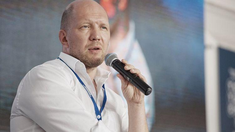 Анатолий Кузичев: биография и личная жизнь