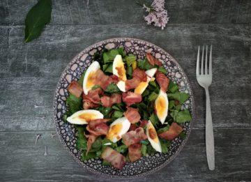 Рецепт салата из щавеля и бекона