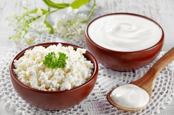 Употребление молочных продуктов как причина возникновения белого поноса