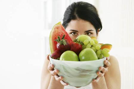 Девушка с фруктами!