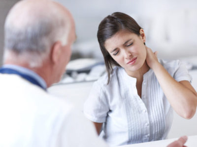 Остеохондроз: к какому врачу обращаться. Причины и лечение остеохондроза.