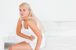 Боль внизу живота - причина полипов матки