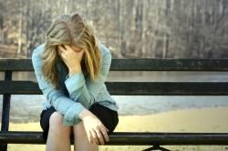 Депрессия - причина коричневых выделений при месячных