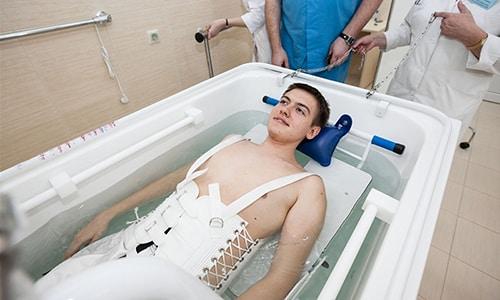 Физиотерапия способствует снижению болевого синдрома, нормализации кровообращения, уменьшению воспалительных процессов