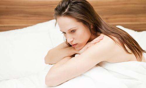 Проблема коричневых выделений до и после менструации