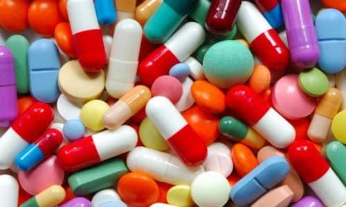 После оперативного вмешательства пациенту назначаются лекарственные средства, улучшающие процесс кишечной перистальтики