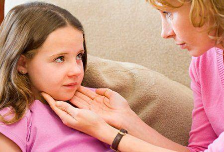 Чем намазать шею ребенку если продуло