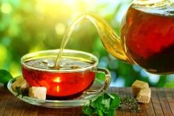 Крепкий чай без сахара при поносе у детей