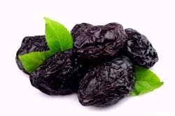 Польза чернослива при запорах
