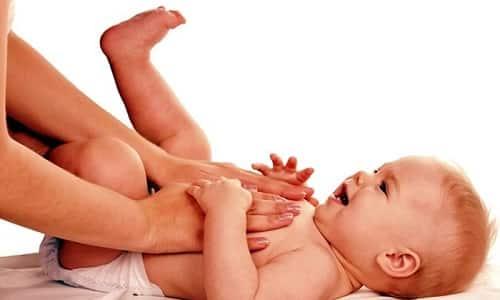 Чтобы не появились осложнения и не развился спаечный процесс, после заживления швов рекомендуется делать маленькому больному специальный массаж