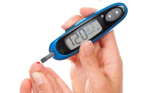 На фоне патологии развивается такое заболевания, как сахарный диабет