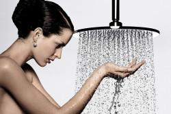 Принятие душа - простой способ избавления от запаха пота