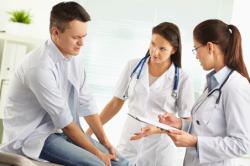 Консультация с врачом перед лигированием геморроя