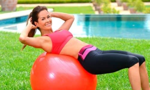 Упражнения при грыже грудного отдела позвоночника улучшают кровообращение, ускоряют регенерацию тканей и препятствуют образованию новых очагов