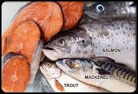 Обязательным компонентом диеты при псориазе должна быть морская рыба