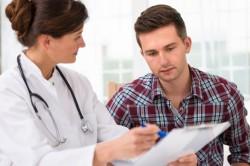 Консультация с врачом перед удалением геморроя