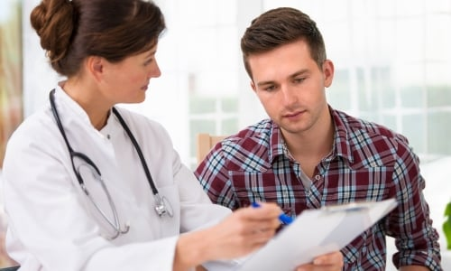Консультация врача по поводу корректора осанки