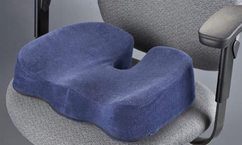 Как выбрать ортопедическую подушку для копчика