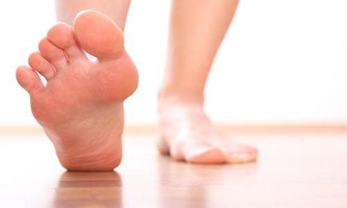 Проблема потливости ног