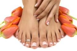 Грибок на ногах как причина потливости ног