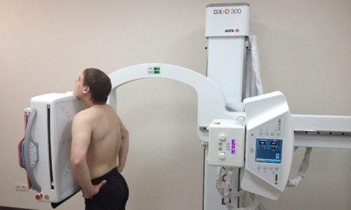 У тяжелых больных с панкреатитом возможно развитие пневмонии или плеврита, поэтому выявлять их признаки следует с помощью рентгенографии грудной клетки