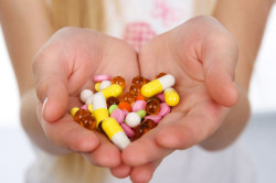 Прием медикаментов для лечения тошноты