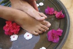Полезные ванночки от потливости ног